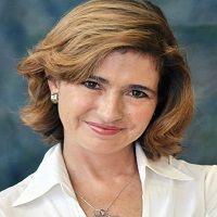 María E. Silanes